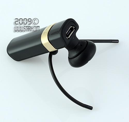 беспроводная гарнитура Nokia ВН-803 с имиджевым дизайном и вставкой золотого цвета